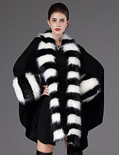 Stole da donna Mantelline Maniche lunghe Pelliccia ecologica Nero / Uva Casual A scialle 60cm Con pelliccia/ piume Aperte