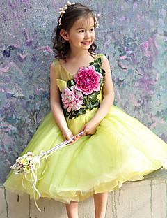 Plesové šaty K lýtkům Šaty pro květinovou družičku - Tyl Bez rukávů Kopeček s Korálky / Výšivka / Květina(y)