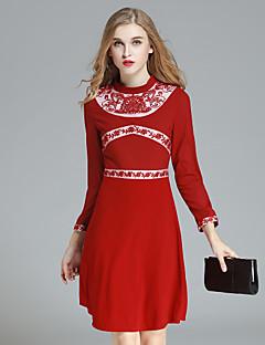 Damen Hülle Kleid-Lässig/Alltäglich Einfach Stickerei Rundhalsausschnitt Übers Knie ¾-Arm Rot / Schwarz Polyester Herbst Hohe Hüfthöhe