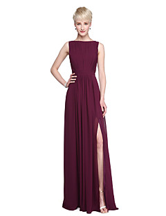 2017 Lanting Bride® Floor-length Chiffon Beautiful Back Furcal Bridesmaid Dress - Sheath / Column Bateau withSash / Ribbon Draping Split Front