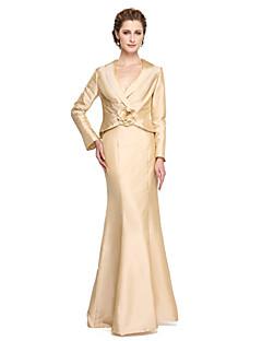 LAN TING BRIDE Sheath / Column Mother of the Bride Dress - Elegant Floor-length Long Sleeve Taffeta with Flower(s) Pleats