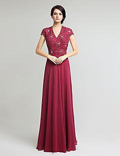 Sheath / Column Mother of the Bride Dress Floor-length Short Sleeve Chiffon Lace with Beading Lace