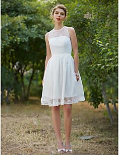 LAN TING BRIDE גזרת A שמלת חתונה - שיק ומודרני שמלות לבנות קטנות באורך  הברך עם תכשיטים תחרה עם בד נשפך סרט