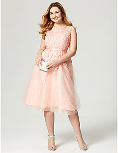 A-Line Jewel Neck Knee Length Lace Tulle Cocktail Party Dress with Appliques Sash / Ribbon