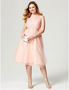 A-line juweel nek knie lengte kant tule cocktail party jurk met appliques sash / lint