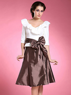 A-line Plus Size / Petite Mother of the Bride Dress Knee-length Half Sleeve Taffeta with Bow(s) / Sash / Ribbon