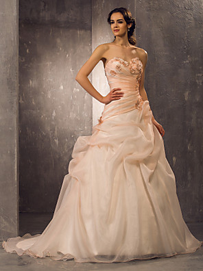 Lanting Bride A-line / Princess Petite / Plus Sizes Wedding Dress-Court Train Sweetheart Organza