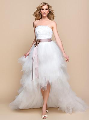 A-linje / Prinsesse Brudekjole - Chic og moderne / Glamorøs & Dramatisk Små Hvite Kjoler / Vintage Inspireret Asymmetrisk Stroppeløs Tyll