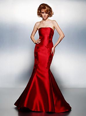 ts couture® prom / formell kjole plus size / tynn trompet / havfrue stroppeløs domstol tog sateng med appliques