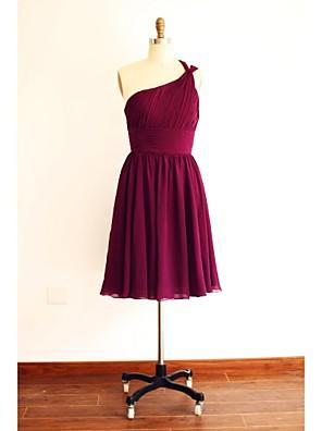 באורך  הברך שיפון שמלה לשושבינה - גזרת A כתפיה אחת עם בד נשפך בצד