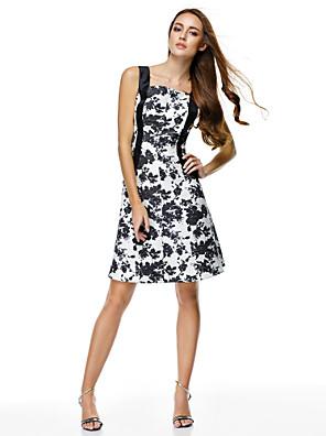 칵테일 파티 드레스 A-라인 스트랩 무릎 길이 폴리에스테르 와 패턴 / 프린트