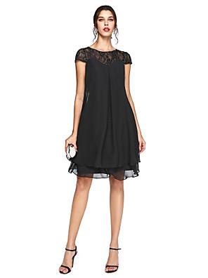 Lanting Bride® גזרת A פלאס סייז (מידה גדולה) שמלה לאם הכלה  - שמלה שחורה קטנה באורך  הברך שרוול קצר שיפון / תחרה  -  חרוזים / קפלים