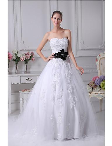 trap ze robe de mariage tra ne tribunal coeur satin tulle avec appliques perlage ceinture. Black Bedroom Furniture Sets. Home Design Ideas
