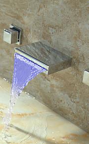 Contemporáneo Arte Decorativa/Retro Modern Colocado en la Pared LED Cascada Con Termostato with  Válvula Latón Dos asas de tres agujeros