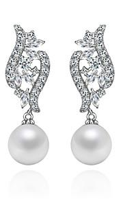 Kristall Örhängen Imitation Pärla/Cubic Zirconia Örhänge Dam Cubic Zirconia/Förgyllt silver/Oäkta pärla