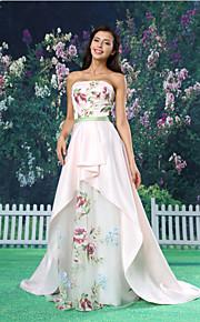 A-ligne de robe de soirée formelle - Court blanc train bretelles organza / satin