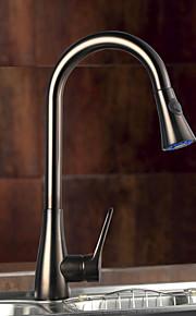 kjøkkenkran tradisjonelle ett hull enkelt håndtak dekk montert roter uttrekkbar spray kjøkkenkran olje-gnidd bronse
