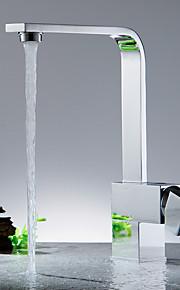 Kitchen Faucet-Moderni-Vesiputous-Messinki(Nikkeli kiillotettu)