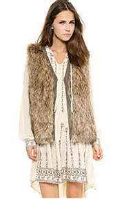 Women's Plus Size / Casual/Daily / Party/Cocktail Sexy / Simple Fur Coat,Solid V Neck Sleeveless Fall / Winter White /