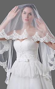 Свадебные вуали Один слой Фата до кончиков пальцев Соборная фата Кружевная кромка Тюль