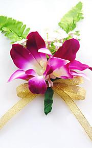 פרחי חתונה בצורה חופשיה שושנים פרחי דש חתונה חתונה/ אירוע סאטן