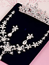 Set bijuterii Pentru femei Aniversare / Nuntă / Logodnă / Zi de Naștere / Cadou / Petrecere / Ocazie specială Set Bijuterii Aliaj / Ștras